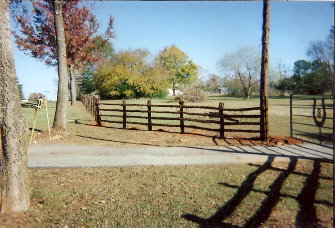 Services christian fencingchristianfencing old fashion wood picket fence baanklon Gallery